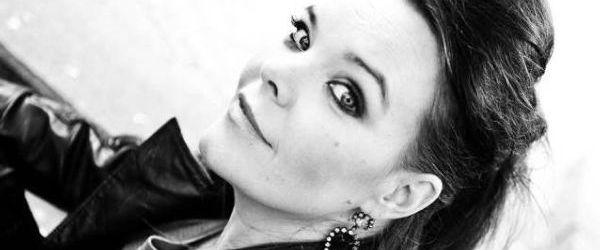 Anette Olzon - Falling (piesa noua)