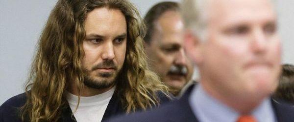 Top 10 cele mai tampite reactii cu privire la arestul lui Tim Lambesis