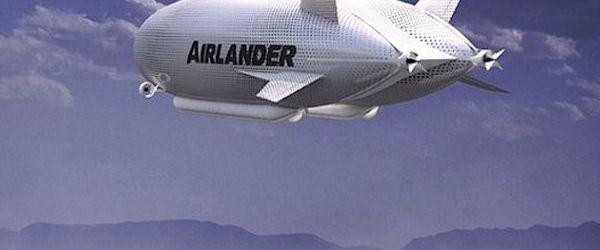 Bruce Dickinson piloteaza cel mai mare avion din istorie