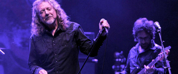 Solistul Led Zeppelin isi prezinta noul single, live