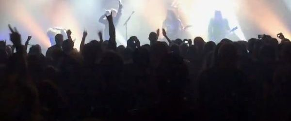 Chitaristul Napalm Death, pe scena alaturi de Kreator (video)