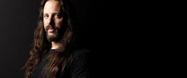 John Petrucci a cantat alaturi de Judas Priestess, formatia tribut Judas Priest.