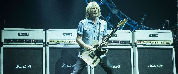 A decedat Rick Parfitt, chitaristul trupei STATUS QUO
