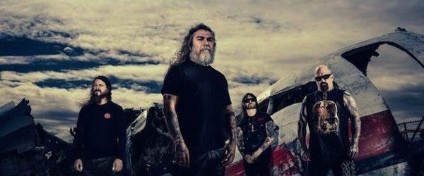 Rasfoieste sase pagini din 'Repentless', revista trupei Slayer