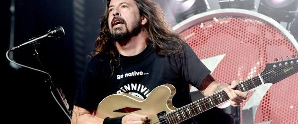 Foo Fighters au cantat o piesa noua in premiera la Acoustic-4-a-Cure
