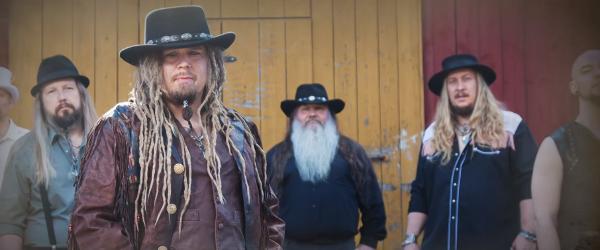 Korpiklaani a lansat un clip pentru o piesa noua, 'Kotikonnut'
