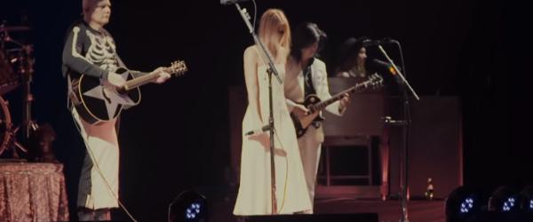 Myrkur a urcat pe scena cu Smashing Pumpkins si a cantat o piesa Fleetwood Mac