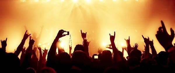 Studiu: Pentru o viata sanatoasa trebuie sa ascultati peste o ora de muzica zilnic
