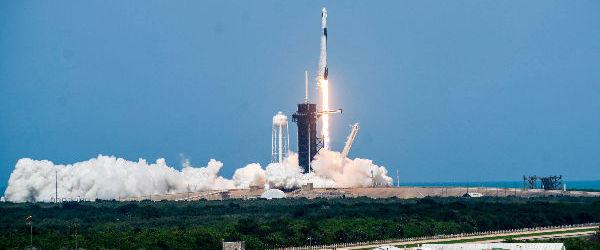 Astronautii SpaceX au ascultat AC/DC in timpul lansarii in spatiu