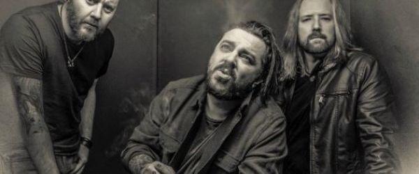 Seether a lansat single-ul 'Dangerous'