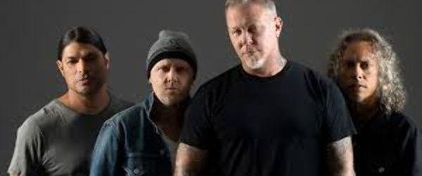 Metallica au lansat un clip live pentru 'Moth Into Flame'