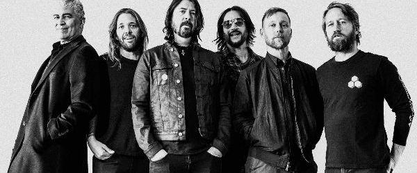 Foo Fighters au interpretat melodiile 'Waiting On A War' si 'No Son Of Mine' la 'Jimmy Kimmel Live!'