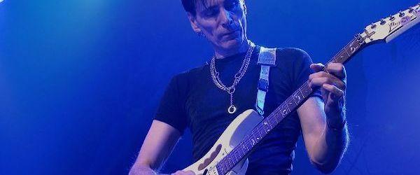 Steve Vai a lansat un clip live pentru 'Frank'